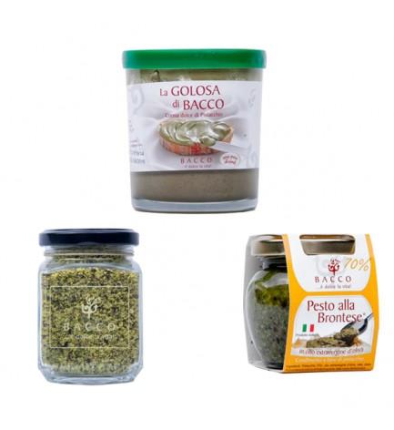 italian food Salad combo: ceramics and spices